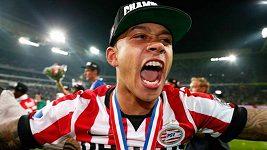 Talentovaný útočník Depay, nová posila United, dominoval už v sedmi letech. - OPRAVA