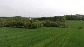 Běhej lesy Karlštejn