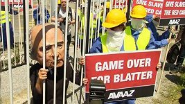 Demonstranti v Curychu požadovali Blatterovu rezignaci
