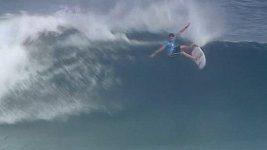 Nejlepší surfaři světa předvedli své umění na Fidži.