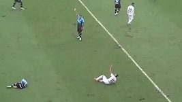 Geuvanio ze Santosu obdržel červenou kartu