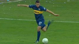 Parádní rabona gól Calleriho z Bocy Juniors