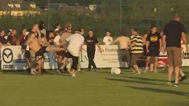 Bitka fanoušků po zápase Frankfurtu a Leedsu