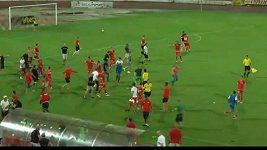 Zuřiví fanoušci CSKA Sofia napadli hráče Ašdodu.