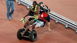 Kameraman na segwayi srazil Usaina Bolta