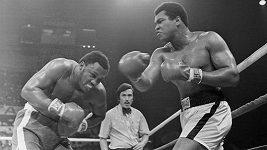 Ukázka ze 14. kola boxerského zápasu mezi Alim a Frazierem z roku 1975.