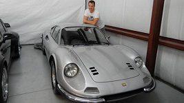 Pavel Kubina představuje své nejcennější vozy.