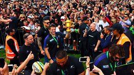Vítězný návrat novozélandských ragbistů All Blacks