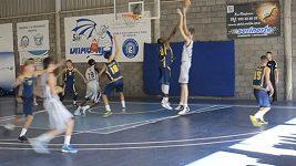 Budoucí basketbalová hvězda?