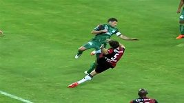 Tvrdý zákrok v mexické lize