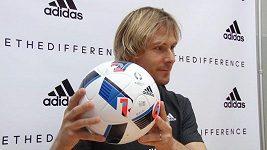 Nedvěd představuje míč pro EURO 2016