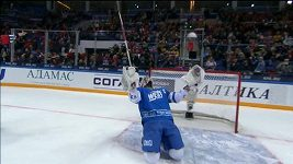 Alexandr Radulov si v Utkání hvězd KHL vyzkoušel i roli brankáře