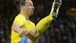 Ibrahimovič střílí parádní gól brankáři Hartovi