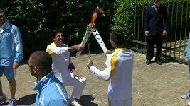 V Řecku zapálili olympijskou pochodeň pro nadcházející hry v Riu