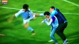 Divočina na fotbale v Turecku