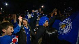 Fanoušci oslavují vítězství Leicesteru