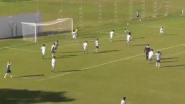 Parádní gól čtrnáctiletého Brazilce