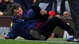 Vtipné a bizarní scénky uplynulé sezóny Premier League
