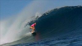 Jednoruká surfařka porazila světovou jedničku.
