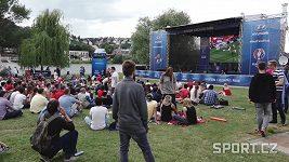 Fanoušci ve fanparku hodnotili výkon fotbalistů proti Španělsku