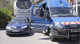 Francouzští policisté zadrželi autobus s ruskými chuligány