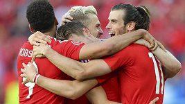 Fotbalisté Walesu jásají nad ostudou Angličanů proti Islandu