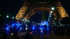 Ve fanouškovské zóně u Eiffelovky propukly během finále střety