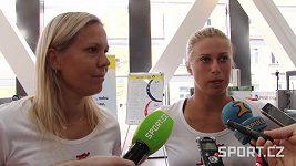 Lucie Hradecká a Andrea Hlaváčková před Riem