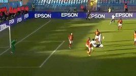 Ibrahimovic se uvedl parádní akrobatickou trefou