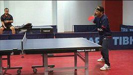 Nemá ani jednu ruku, přesto je šampiónem ve stolním tenise