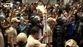 Olympijská pochodeň putuje ulicemi Ria de Janeira