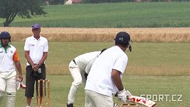 Aneta a její premiéra v kriketu