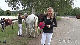 Aneta sedla na koně, vyzkoušela pólo