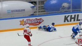Rozhodčí v KHL poslal hráče Astany k ledu