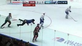 Šílenec na hokeji