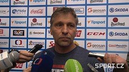 Trenér Josef Jandač před utkáním se Švédskem