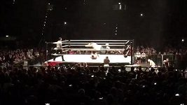 Tim Weise zvládl debut v ringu.