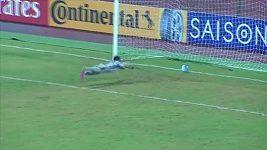 Korejský brankář pustil nevídaný gól. Schválně?