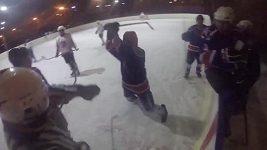 Hokejista v Rusku napadl rozhodčího