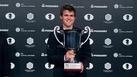 Magnus Carlsen obhájil titul nejlepšího šachisty světa