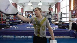 Hokejisty trénuje boxerský mistr Evropy
