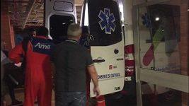 Převoz brankáře Chapecoense, který přežil pád letadla, domů do Brazílie