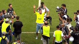 Přeživší hráč týmu Chapecoense se zhostil slavnostního výkopu