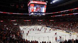 Český rozhodčí vyzkouší AHL