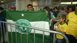 Fanoušci přicházejí na charitativní zápas Chapecoense