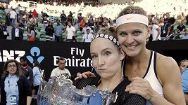 Šafářová s Mattekovou-Sandsovou ovládly Australian Open