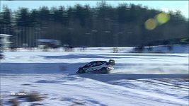 Finský jezdec Jari-Matti Latvala vyhrál počtvrté v kariéře Švédskou rallye a ujal se vedení v mistrovství světa.