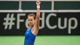 Barbora Strýcová přidala v duelu se Španělkami rozhodující třetí bod