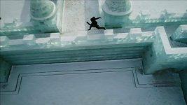 Parkourista Jason Paul předvedl své umění v ledovém městě v čínském Charbinu