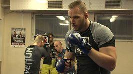 Robert Voves ragbista a zápasník MMA